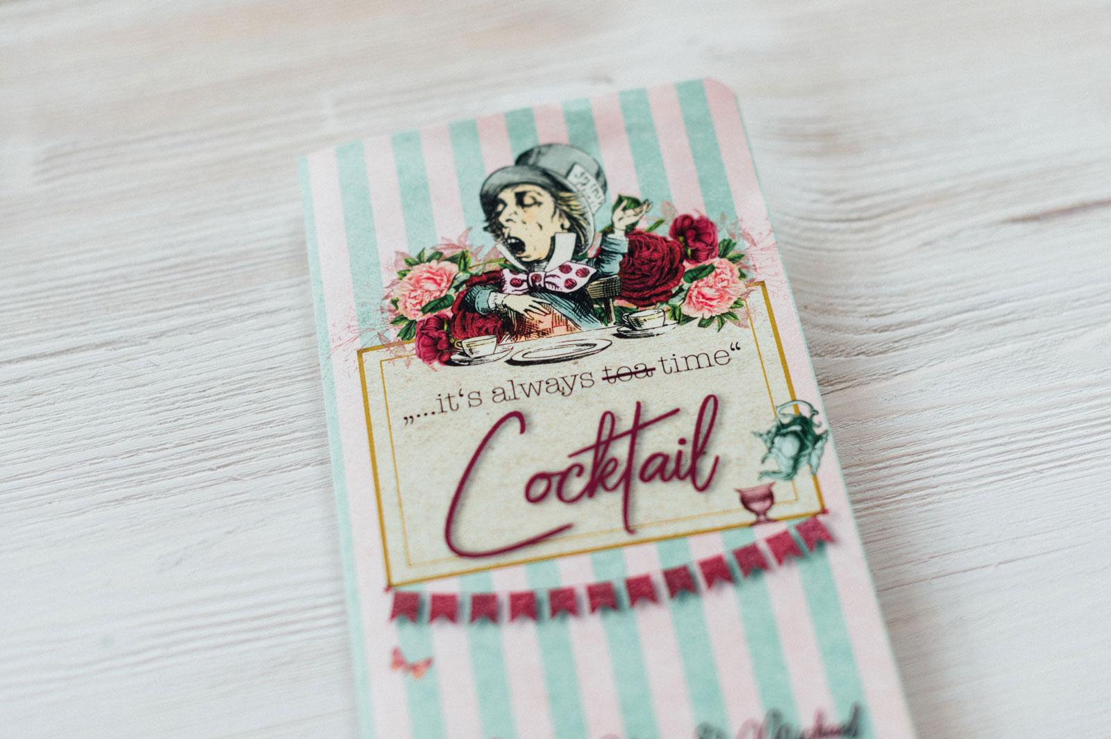 Alice im Wunderland Getränkekarten Disney Taschenuhr Hochzeitskarten Hochzeitspapeterie Hochzeitsmotto Märchen Disney Vintage Hochzeit Menükarten