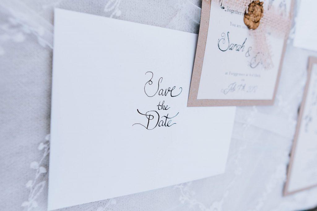 Bohemian Save the Date Karten Hochzeitskarten Hochzeitspapeterie Traumfänger Wachssiegel Hand Lettering individuell Hochzeitsmotto Boho Briefkuvert