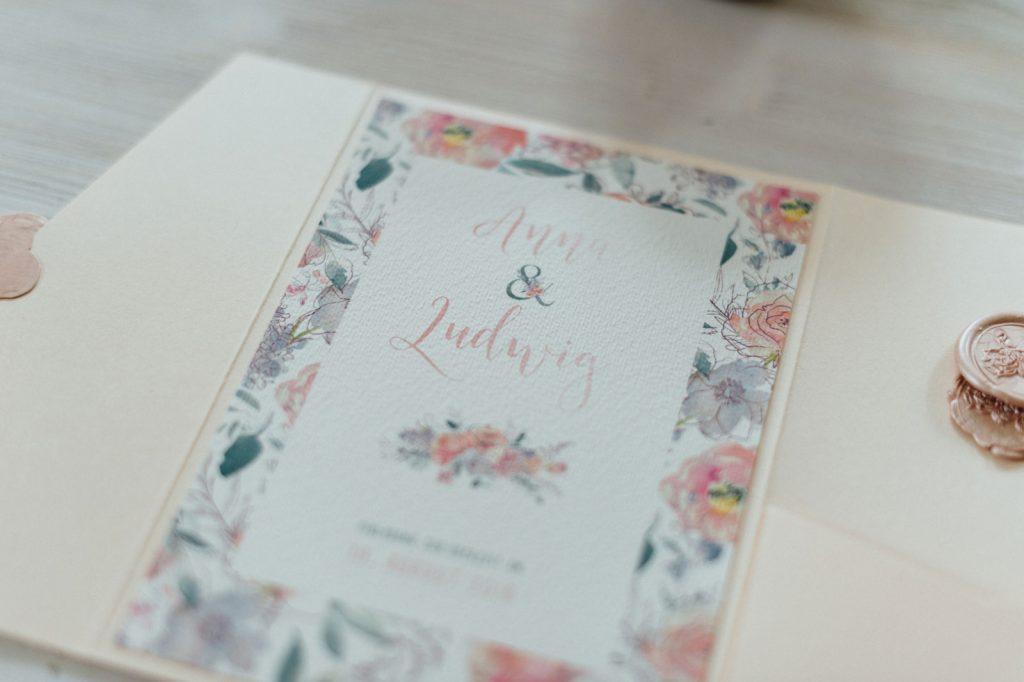 Frühling Blumen Hochzeitseinladungen Hochzeitskarten Hochzeitspapeterie Wachs Siegel Wiesenblumen Wasserfarben Aquarell Individuell Hochzeitsmotto Jahreszeiten