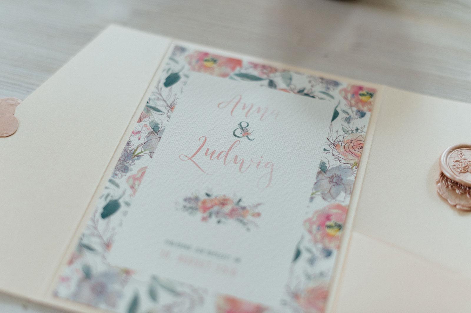 Fruhlingsblumen Hochzeitseinladungen Mit Wachssiegel Hannah Antenna