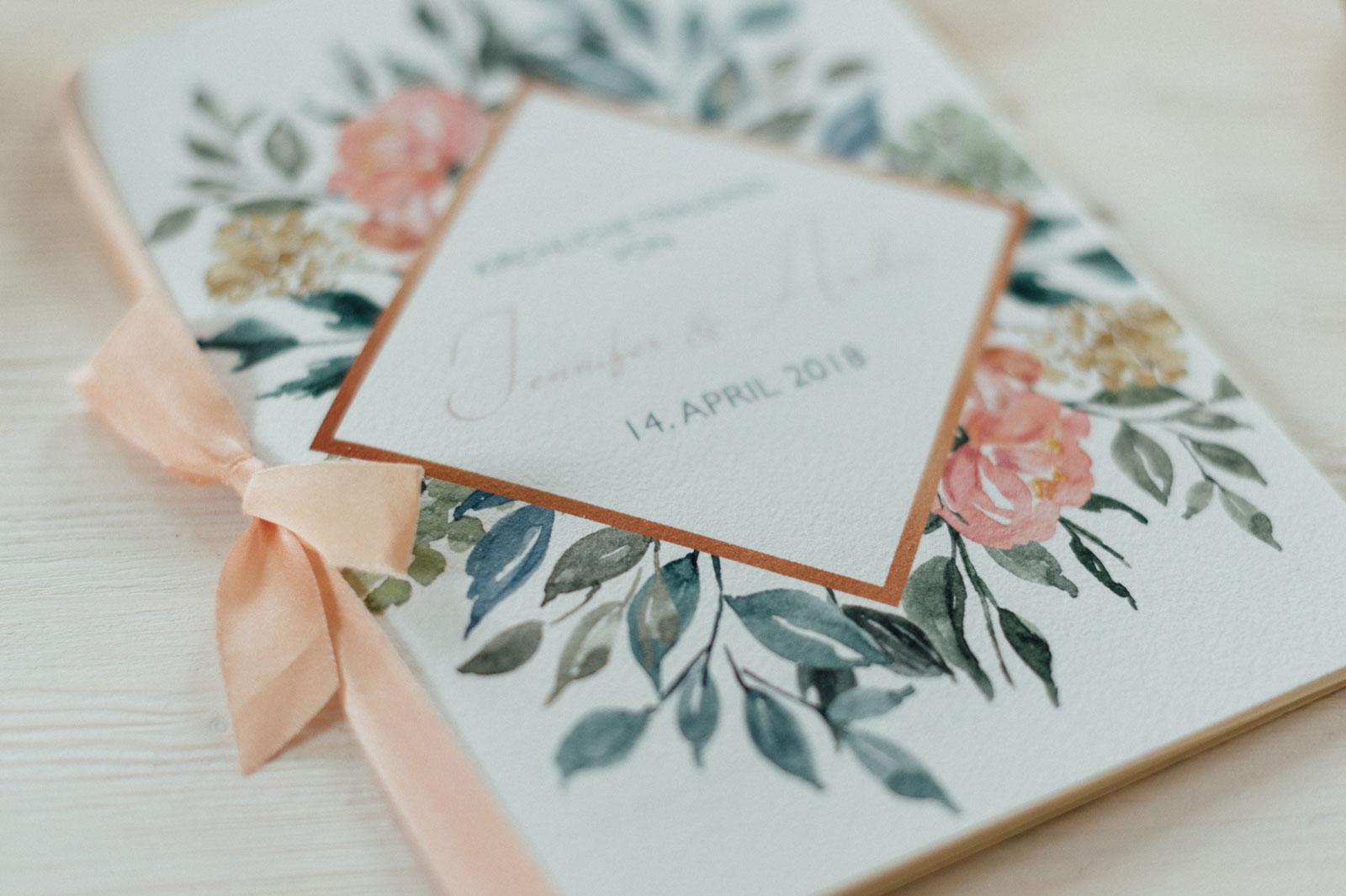 Frühlingsblumen Kirchenheft Hochzeitskarten Hochzeitspapeterie Wiesenblumen Wasserfarben Aquarell Zeichnung Edel Vintage Individuell Hochzeitsmotto Frühling Blumen