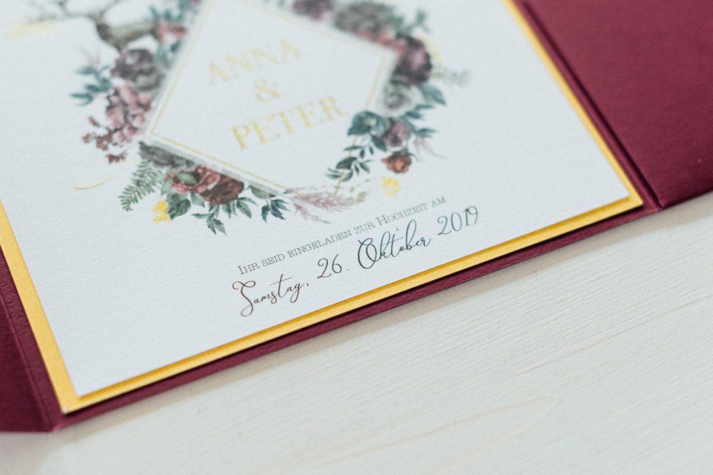 Herbst Hochzeitseinladungen Hochzeitskarten Hochzeitspapeterie Burgund Wald Hirsch Pocketfold Gold