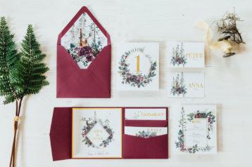 Herbst Hochzeitskarten Hochzeitseinladungen Hochzeitspapeterie Burgund Wald Hirsch Pocketfold Antwortkarten Platzkarten Menükarten