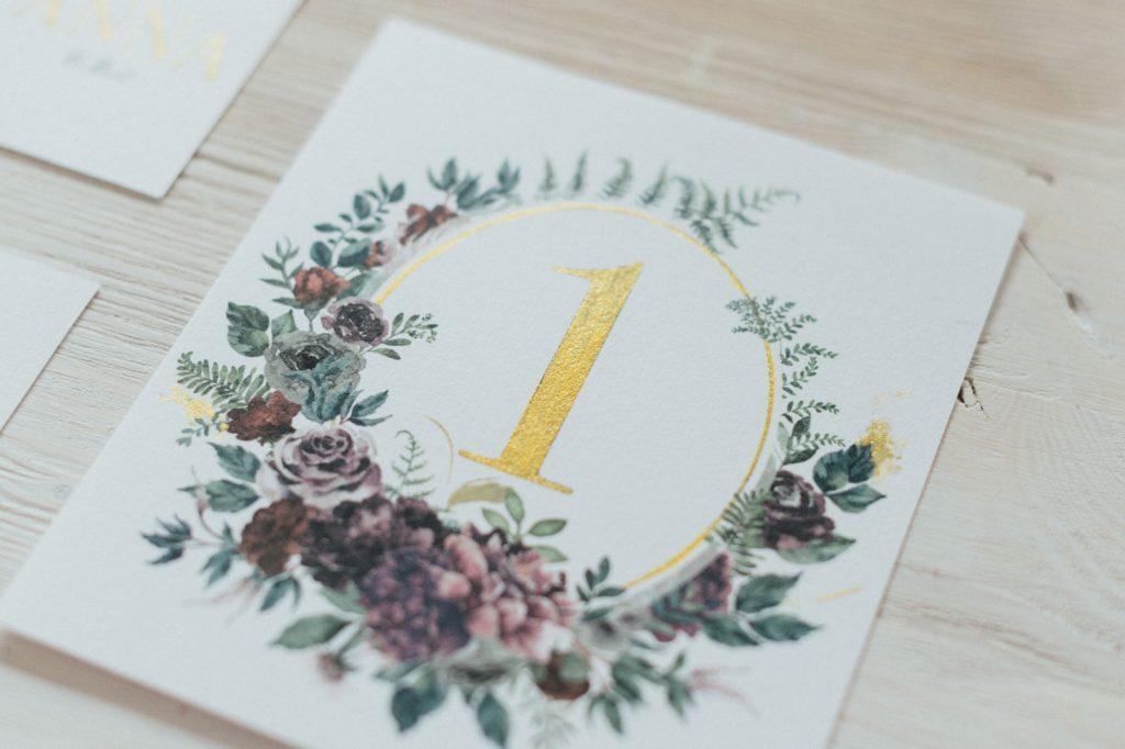 Herbst Tischkarten Platzkarten Hochzeitskarten Hochzeitspapeterie Gold Burgund Wald Blumen Hirsch