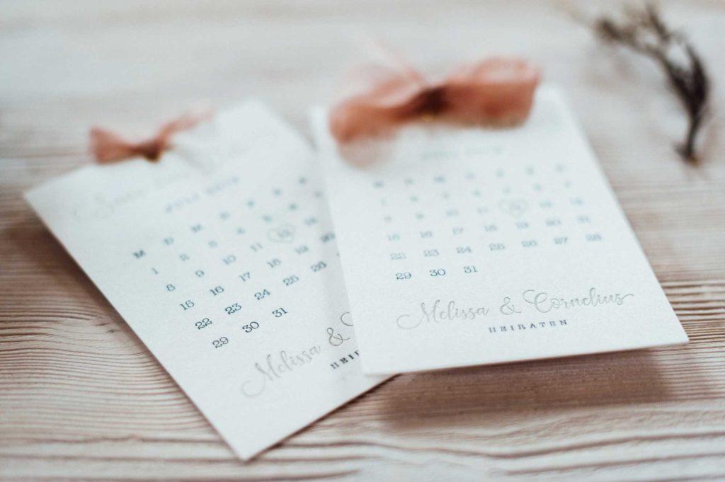 Save the Date Hochzeit Letterpress Sommerhochzeit Kalenderblatt Seidenband Gold rose juli