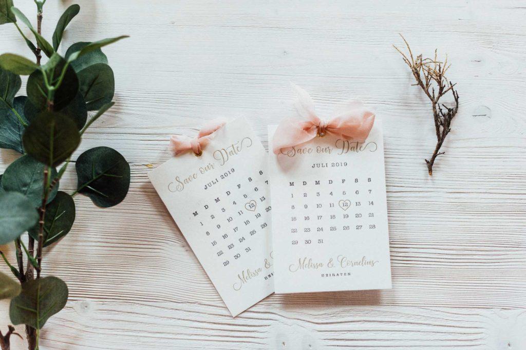 Save the Date Hochzeit Letterpress Sommerhochzeit Kalenderblatt Seidenband Gold rose juli herz 2019