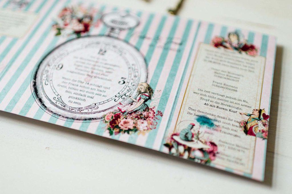 Alice im Wunderland Disney Vintage Hochzeitseinladungen Hochzeitspapeterie Hochzeitskarten Farbe Königin