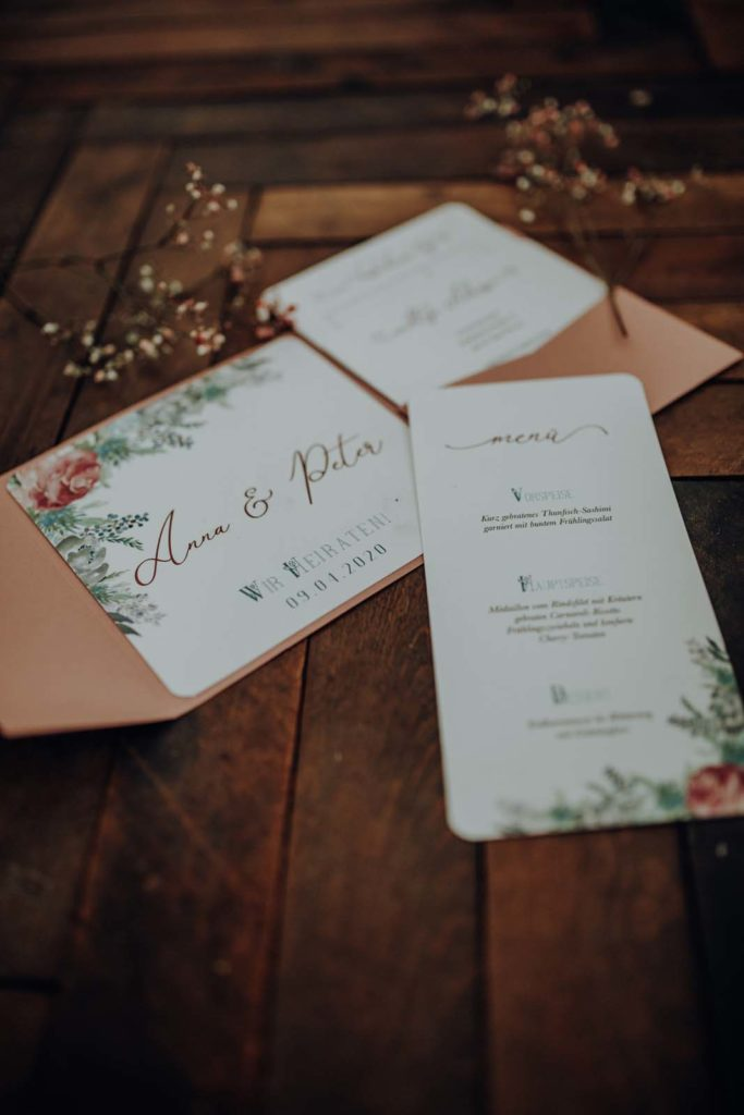 Nachhaltige Hochzeitseinladung Berghochzeit Einladung Pocketfold Hochzeitseinladung Hochzeitskarten Hochzeitspapeterie Trachten Hochzeit Trachtenhochzeit Berg Bayrische Bayerische Aquarell Blumen Floral Einleger